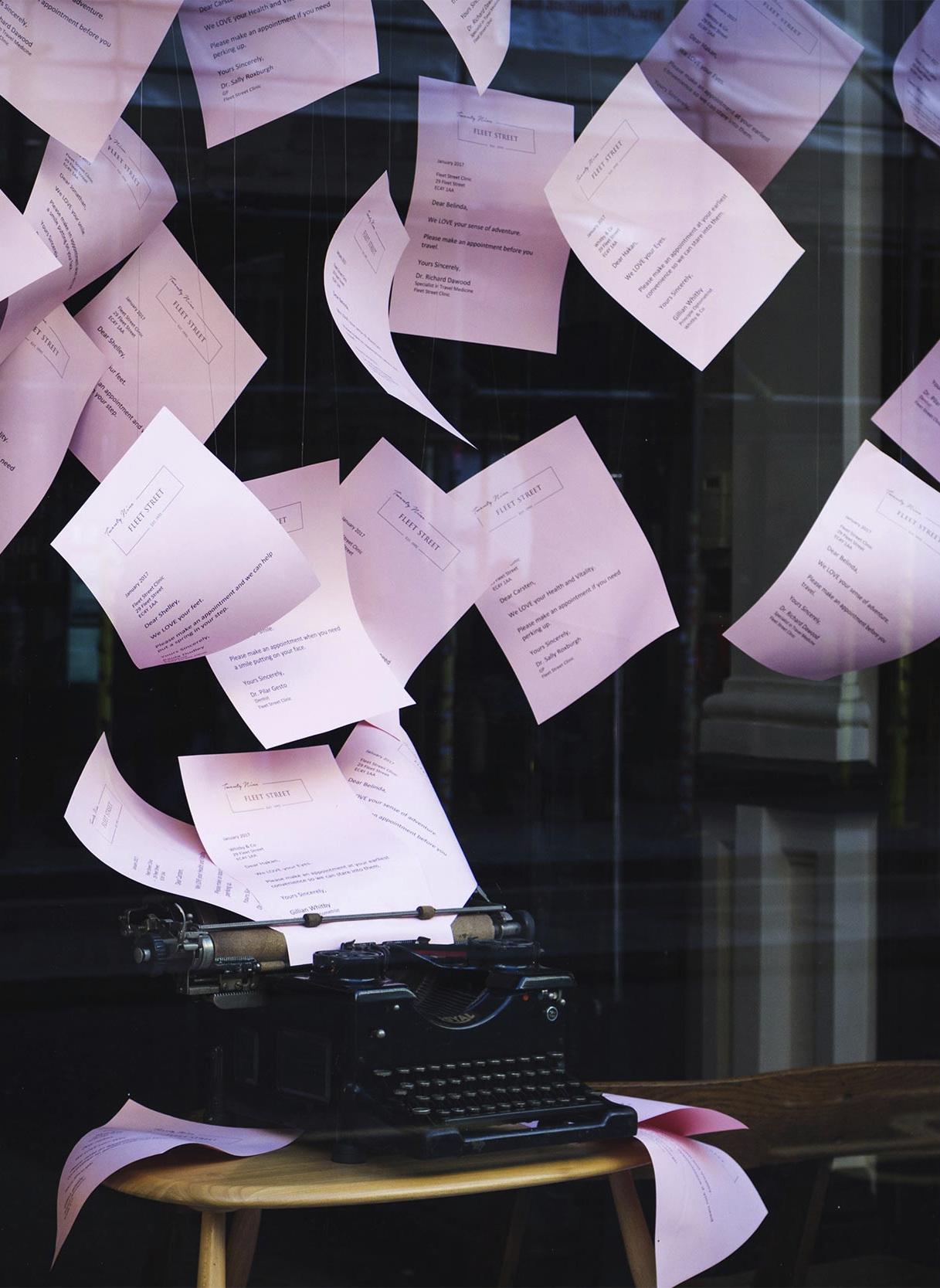 Storytelling_Typewriter_of_Floating_Ideas