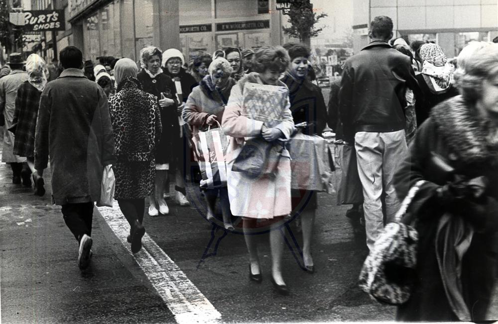 CHRISTMAS SHOPPERS, 1963