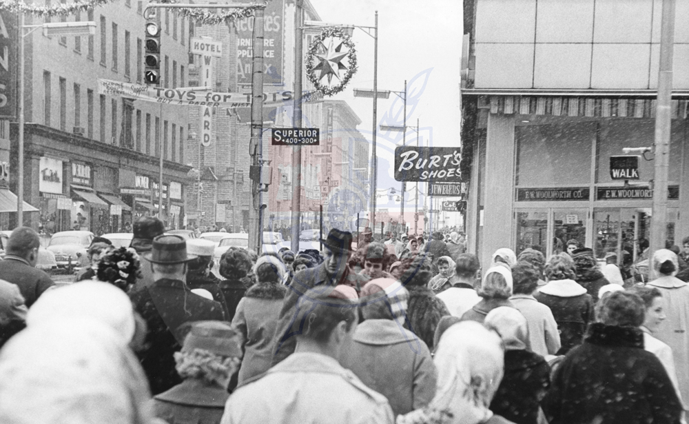 HOLIDAY SHOPPERS, 1961