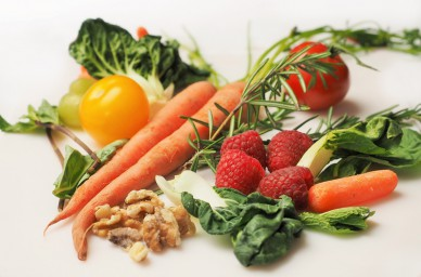 carrot-kale-walnuts-tomatoes-388x256.jpg