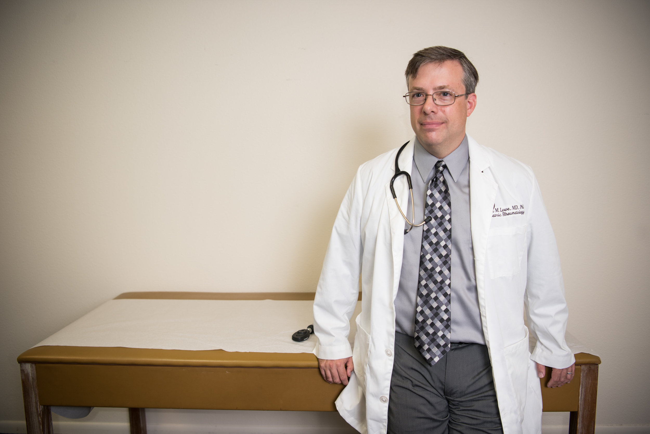 Dr. Robert Lowe, a pediatric arthritis doctor