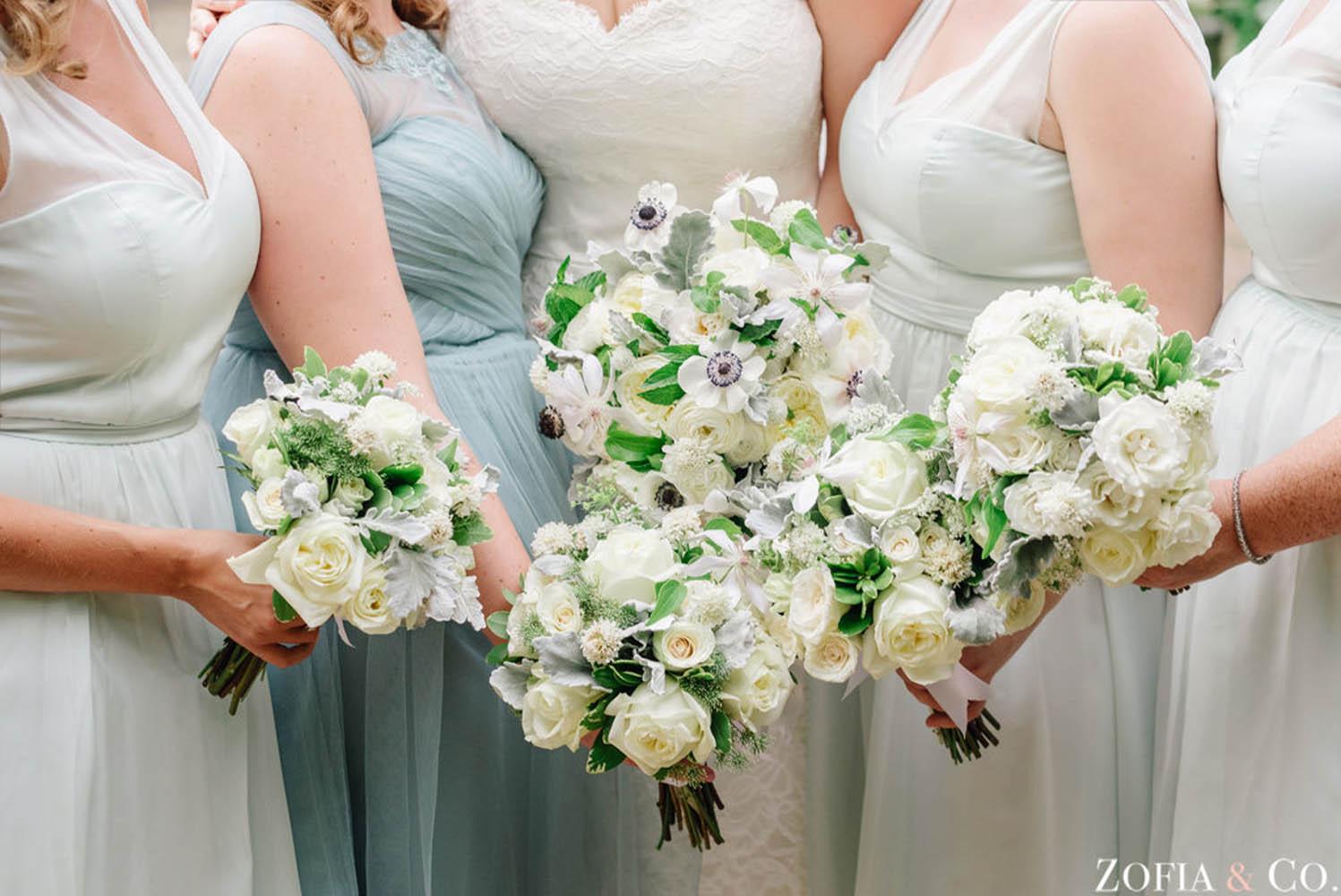 bridesmaid-bouquets-wedding-planner.jpg