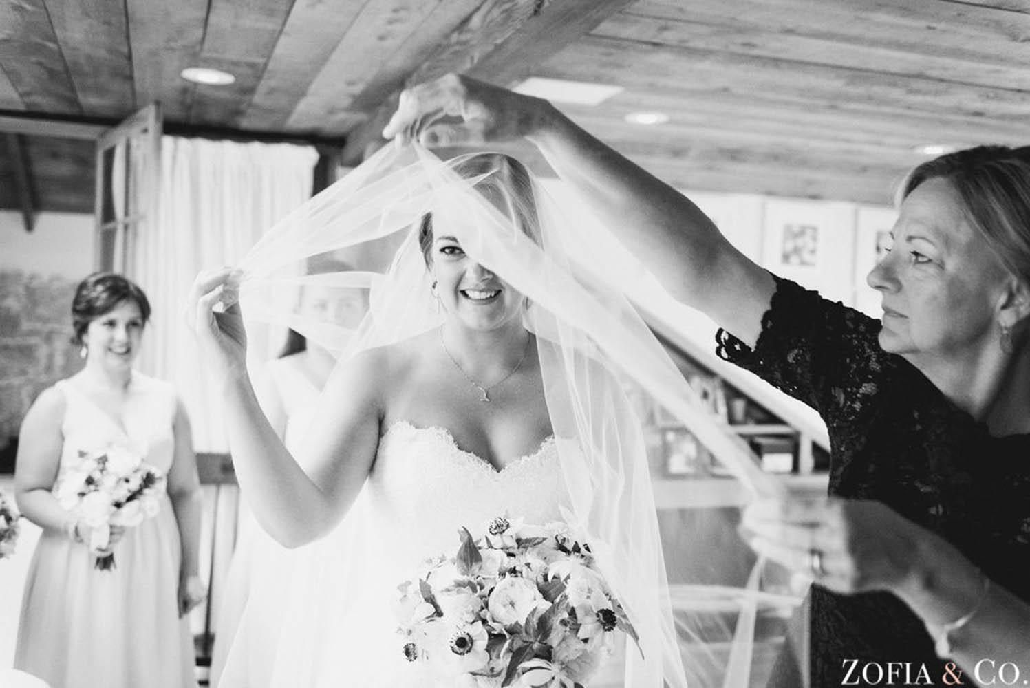 getting-ready-brides-stacie-shea.jpg