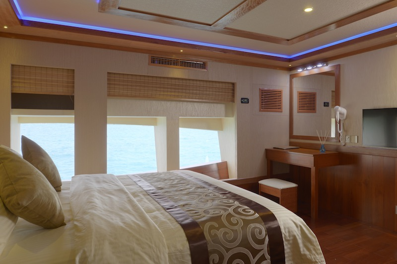 MALDIVES BLUE FORCE ONE Master Suite 2 RESIZED.jpg