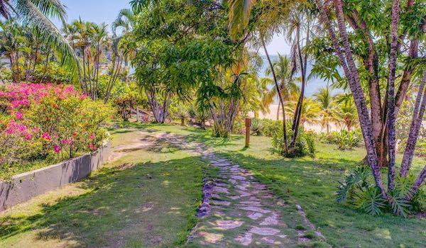 ROATAN9 Turquoise Bay RESIZED 5.jpg