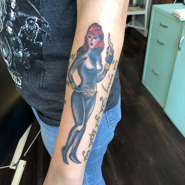 Black Widow from a 60s comic panel made into a tattoo to fit a tight spot. Would love to do more like it.