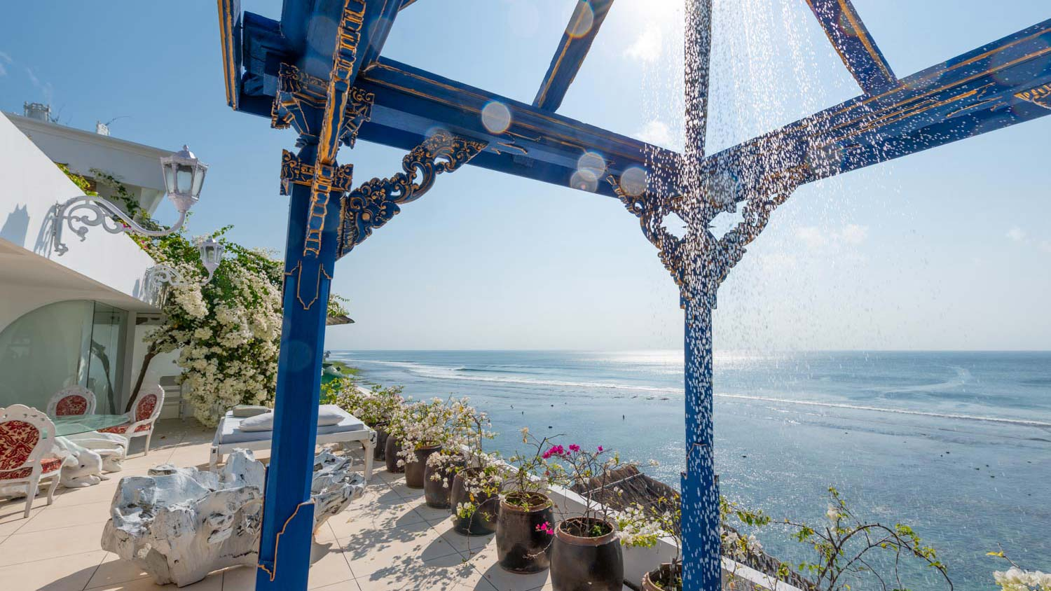Capri-morabito-art-cliff-outdoor-shower.jpg