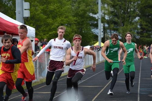 Boys Track relay