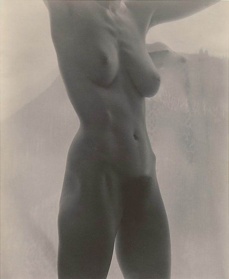 OKeeffe-nude phptpgraphy