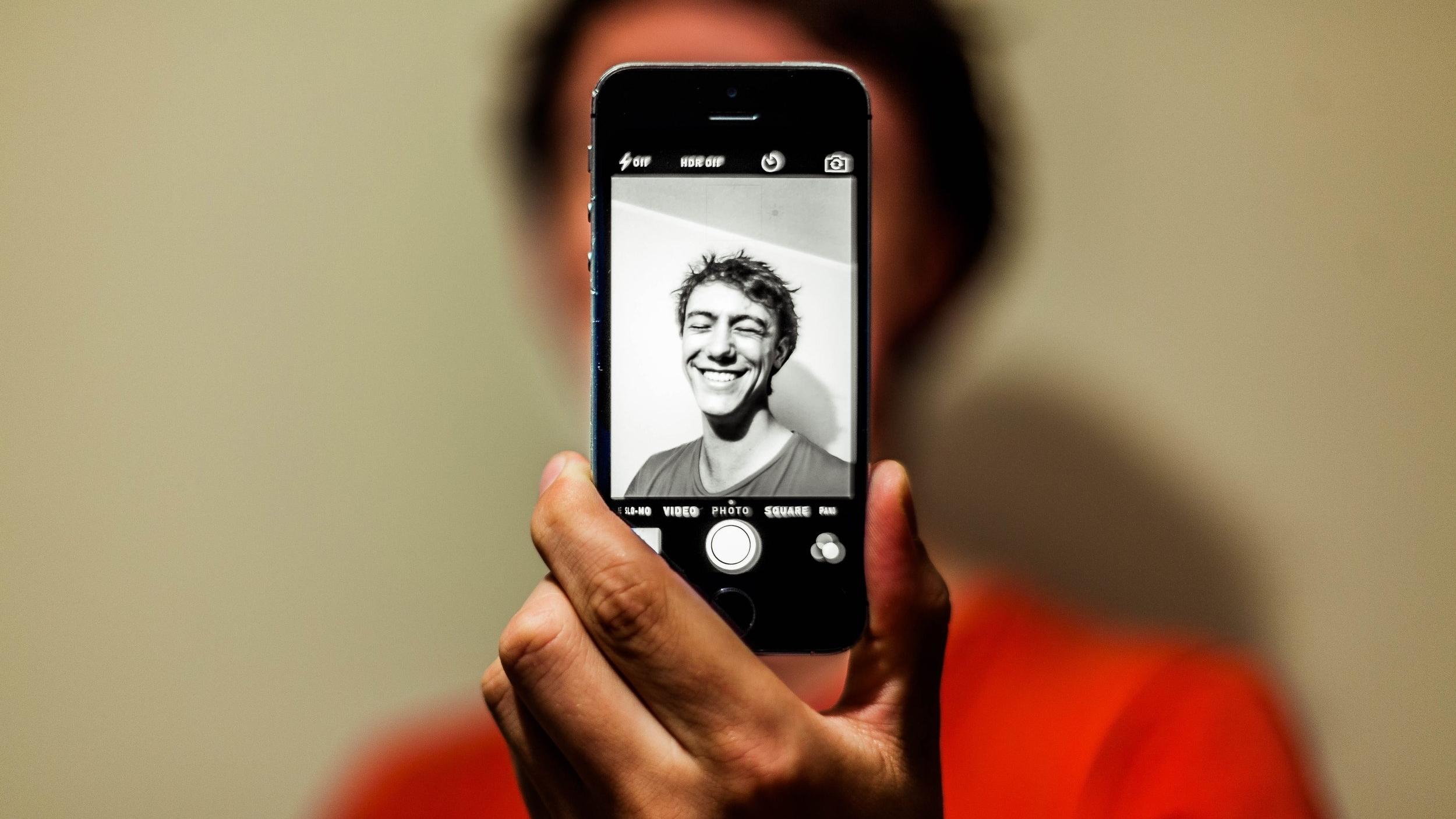 TAKE A PHOTO WITH SMARTPHONE CAMERA