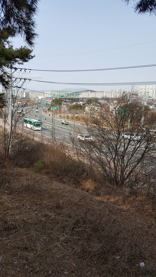 The Osan-Suwon road, which runs through the middle of the position that TF Smith occupied on July 5, 1950, as it appears today. The terrain has drastically changed from vast farmlands to a built-up urban area. Source: author.