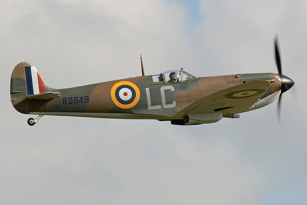 Nolan wanted to use as much period-correct vehicles as possible to lend historical accuracy to the film. Pictured is one of several Supermarine Spitfires used in the film. Photo source: Wikipedia.