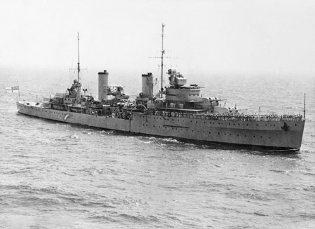 The light cruiser HMAS Sydney. Despite being well-armed in comparison with the Kormoran, the Sydney unwittingly closed within lethal range of the Kormoran's guns and was mortally damaged. Photo source: Wikipedia.