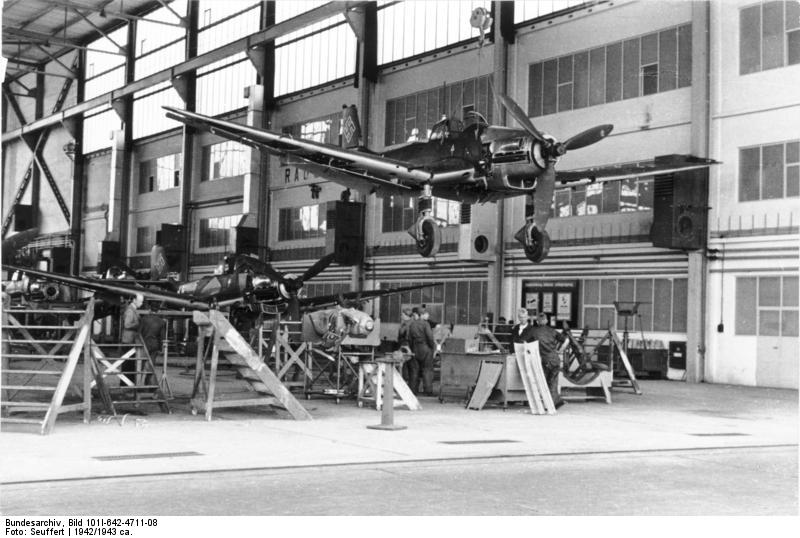 The most produced version of the Stuka was the Ju-87D, featuring a more powerful engine. Photo source: Bundesarchiv.