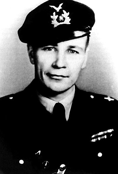 Ilmari Juutilainen was the highest-scoring Finnish Air Force ace during the Second World War. Scoring his first several victories in a Fokker, then 36 kills in a Brewster Buffalo, Juutilainen would go on to shoot down 58 aircraft in a Bf-109. He died in 1999 at the age of 85. Photo source: Wikipedia.