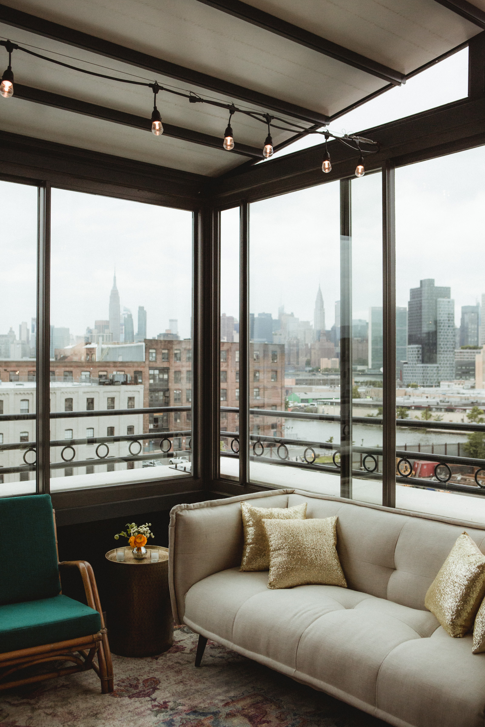 Amy Sims Photography | lounge area with a view of the Manhattan skyline | Box House Hotel wedding | Brooklyn wedding photographer