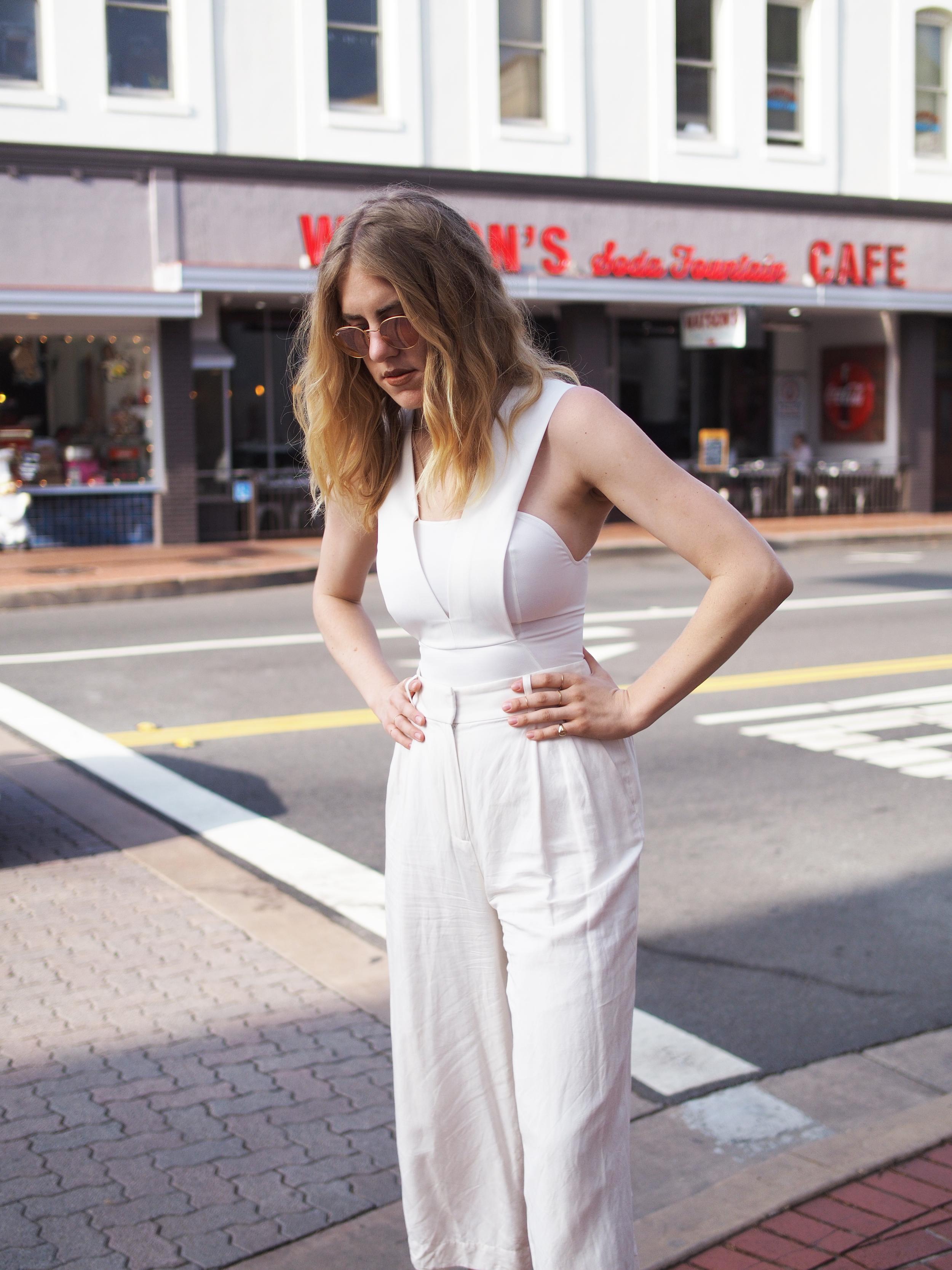 White Jumpsuit AQ/AQ The Loft ATP Red Rayban City Look x Taylr Anne