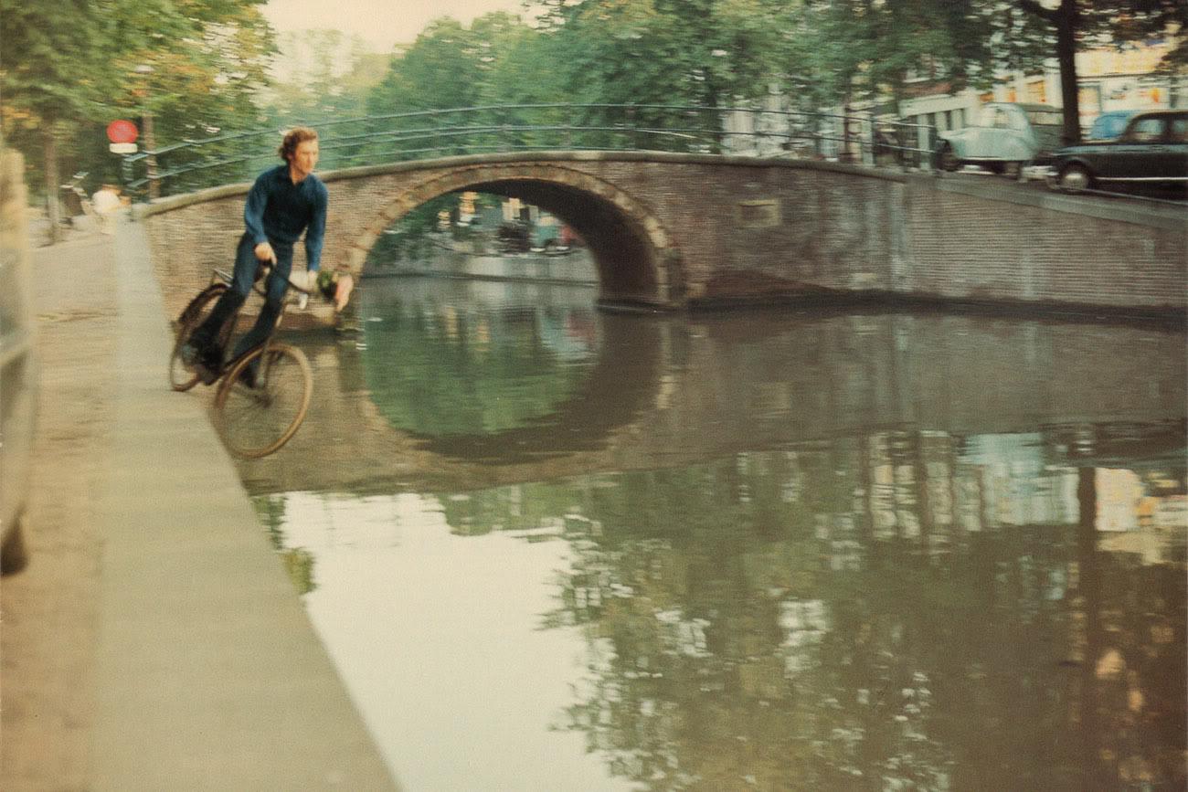 Bas Jan Ader,  Fall II , Amsterdam, 1970, 16 mm film, 19 sec.