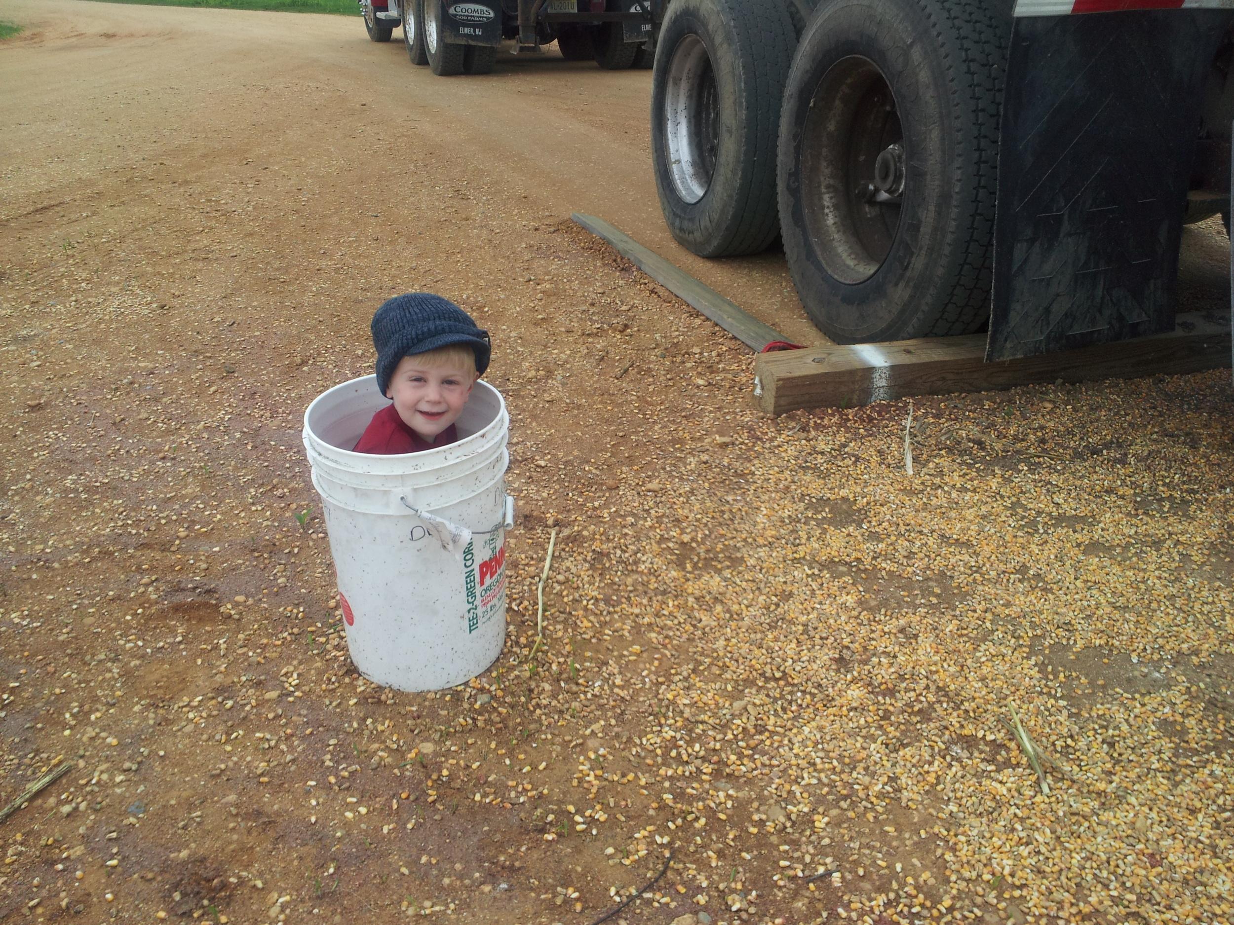 Lee helping load corn