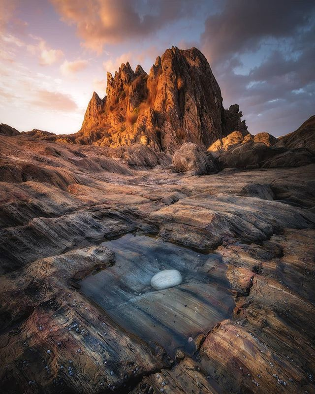 Tasmanian coastline is amazing. Scenes change from steep cliffs to vast sandy beaches and everything in between. ⛰Tasmania 📸Nikon D810, Tamron 15-30mm, Lee 3stop ND grad  #australiagram #australia #tasmania #tassiestyle #tassiegram #instaaustralia #tassiepics #rocks #roamtheplanet #creativeoptic #CreateCommune #fagus #visualsoflife #welcometonature #worldtravelbook #world_shotz #wildernessculture #earth_reflect #earth_expo #escapeandwonder #nikon #tamron #leefilters