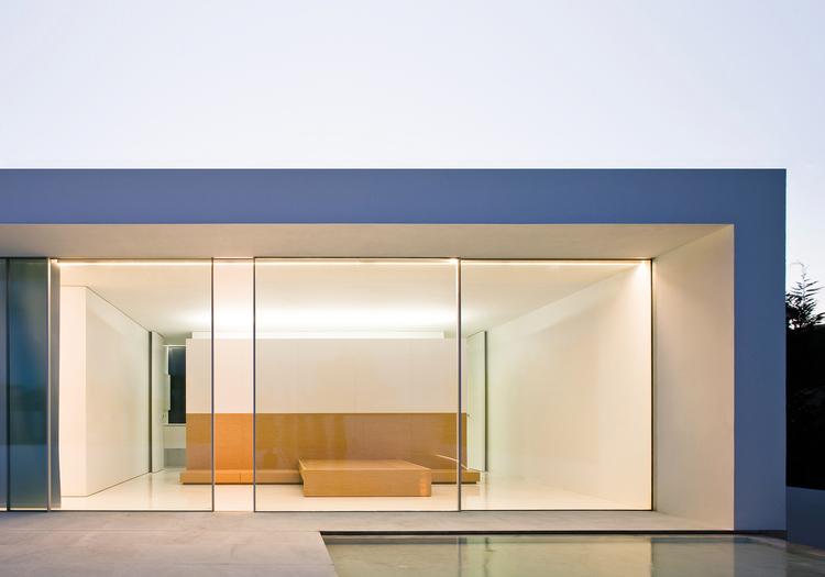 vitrocsa large panel glazed sliding window SWIMMS minimal frame not Skyframe