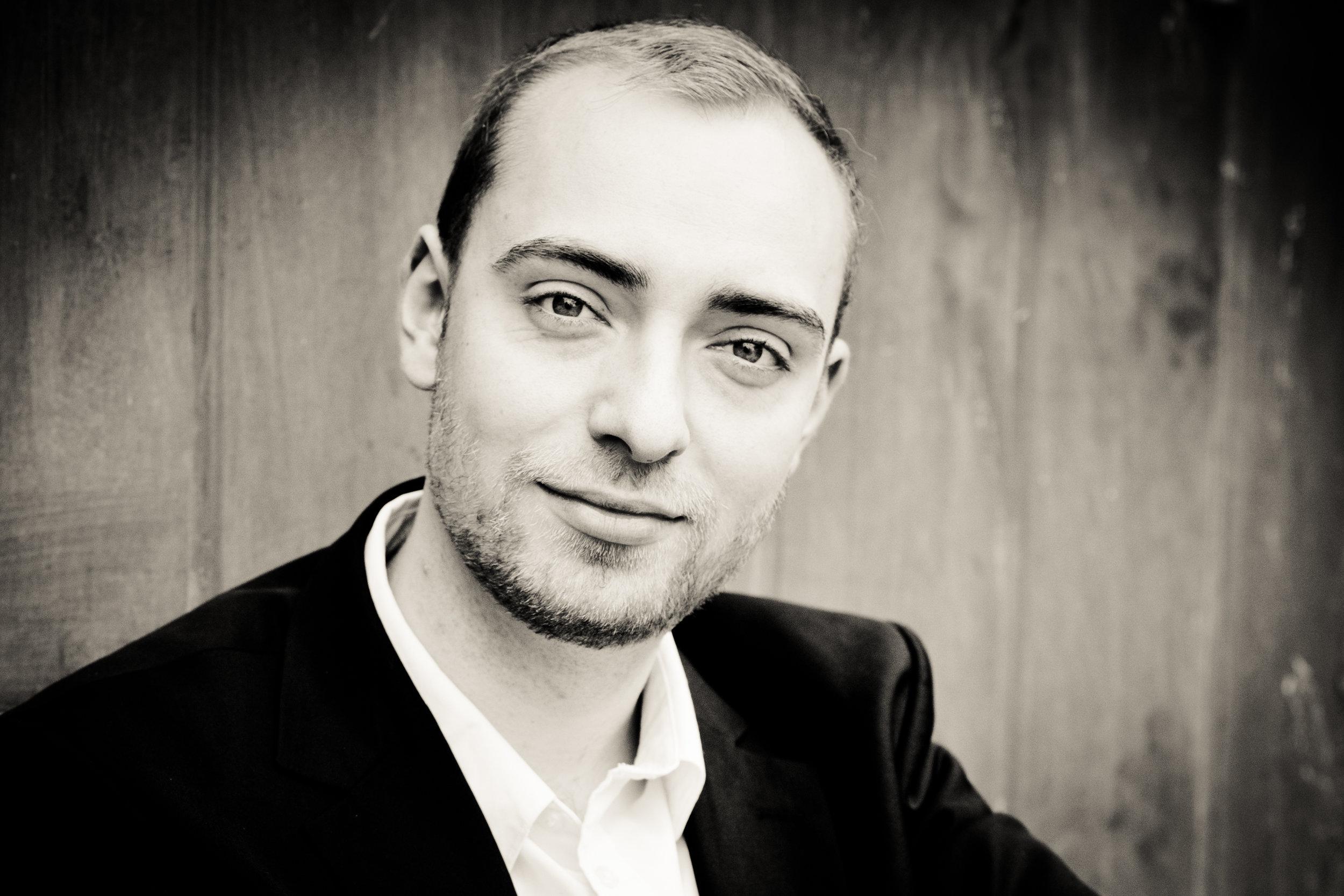 Peter Fabig - Bass