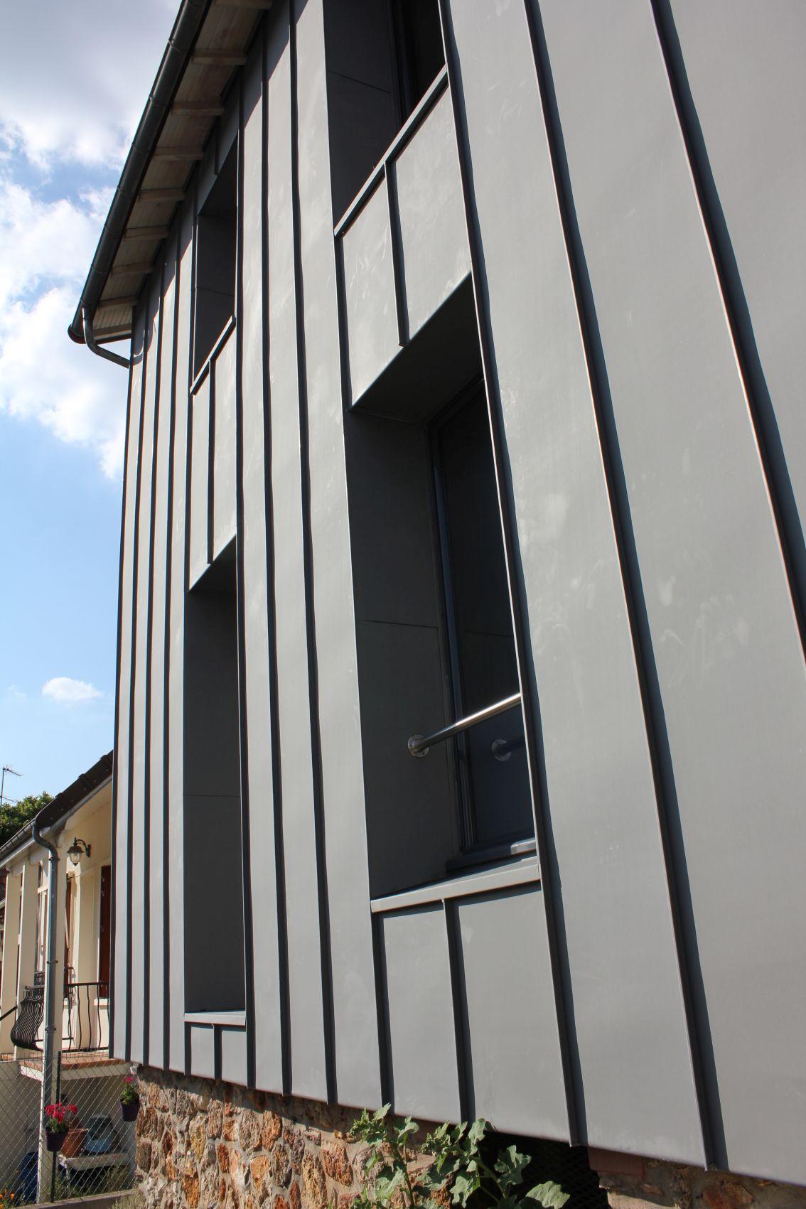 02_facade rue zoom.jpg