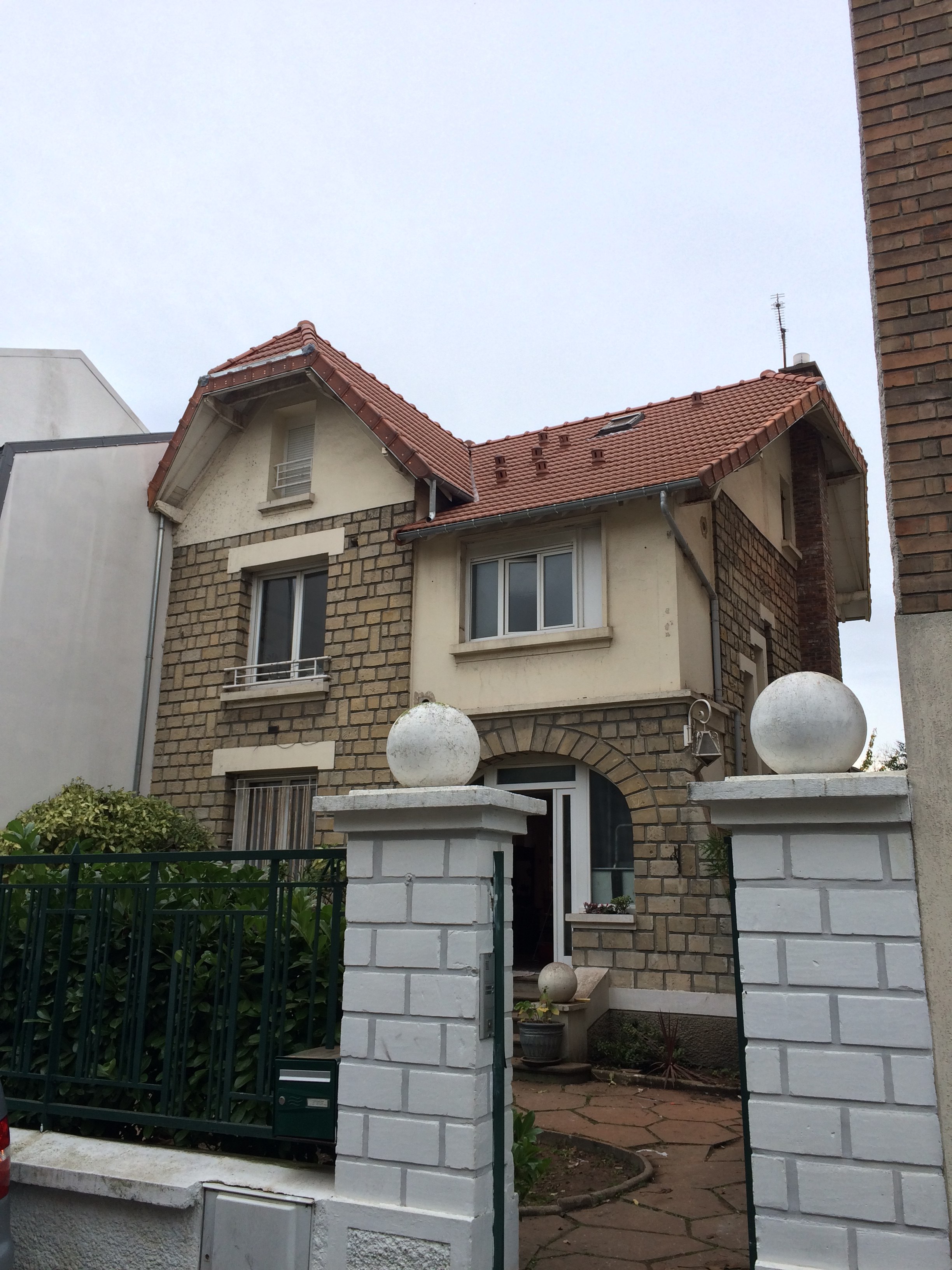 02_facade avant inclinee.JPG