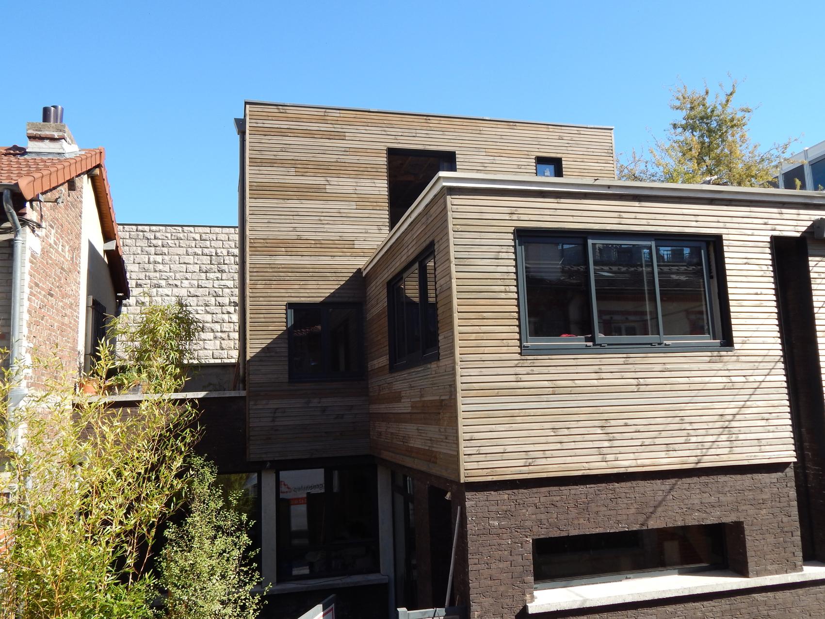 1-facade rue de face.JPG