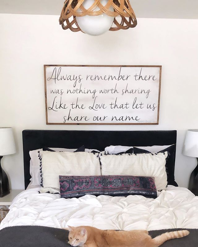 Sunday Vibes ✨ . . . #currenthomeview #kismetcheckoutmyhouse #aabhome #heyhomehey #peepmypad #homedecor #kittycat #catlover #catloversday #homedecor #wallhanging #lovequotes #quotestoliveby #familylife #family #familyfirst #bedroomideas #bedroomdecor #bedroomstyling #bedroominspo #signs #woodsigns #diyhomedecor #diyhomedecor