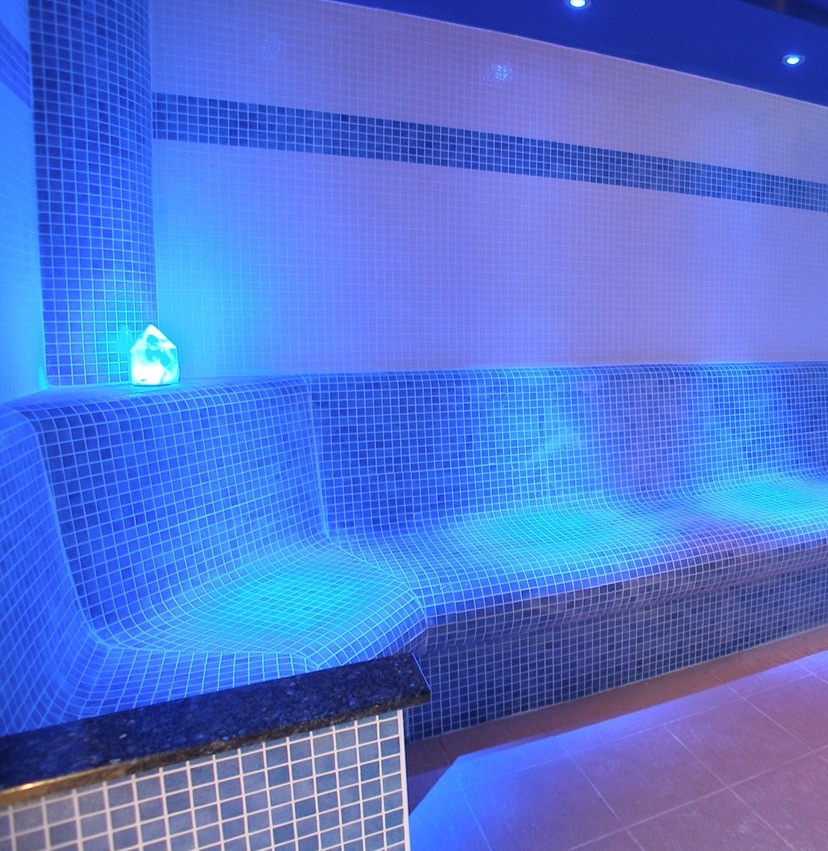 steam-room-tiled-commercial-bespoke-6.jpg
