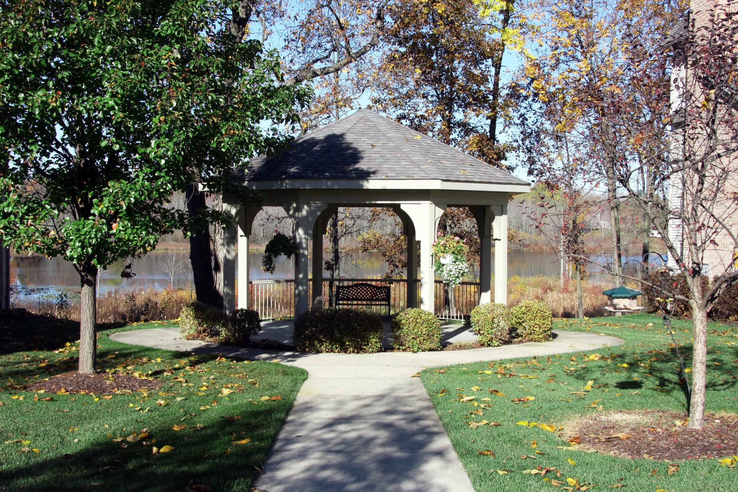 15 Peartree Lane NE, Grand Rapids - Gorgeous custom home with breathtaking views