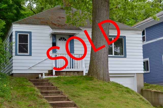 1240 Dickinson Street SE, Grand Rapids - Completely remodeled, adorable ranch!