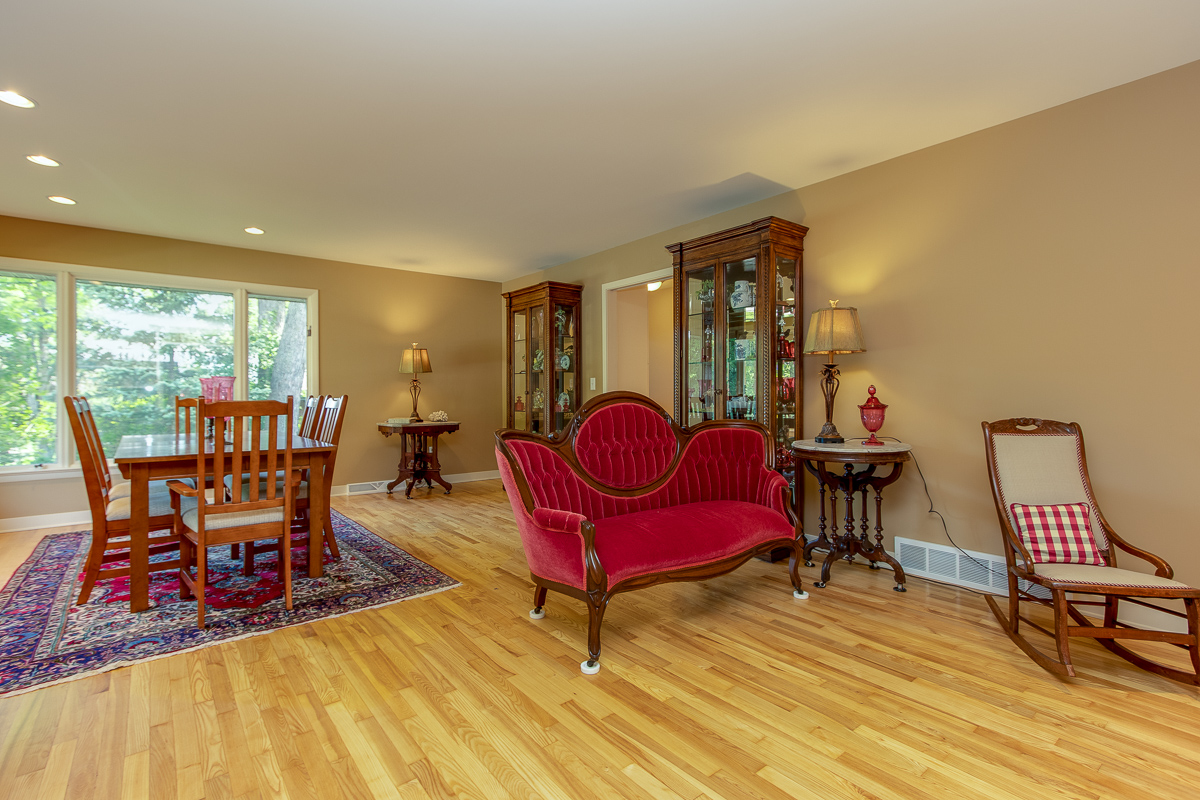 1348 Lenox Road SE ~ Sprawling brick ranch in EGR