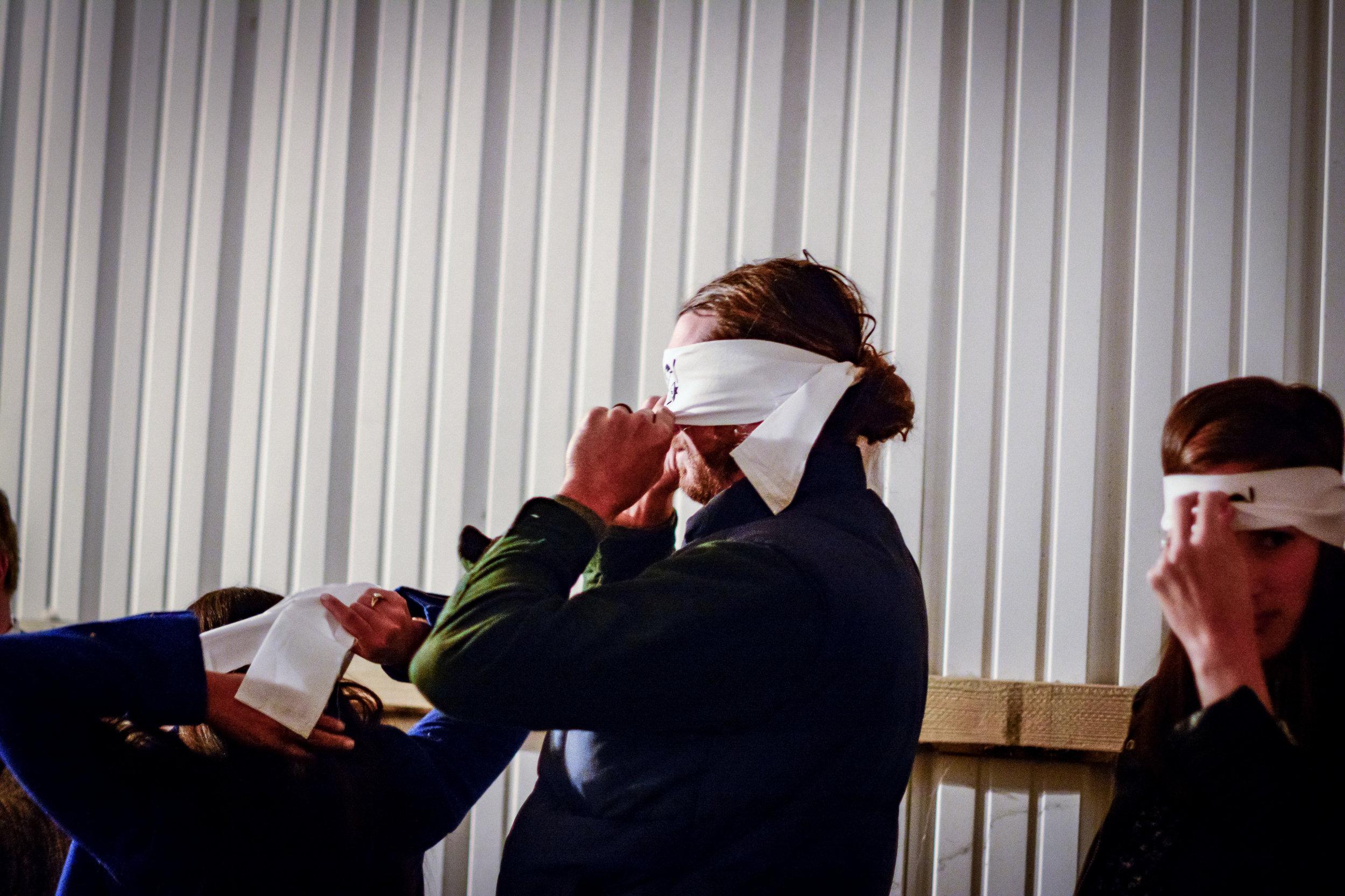 blindfold_trustfall_11-10-18_9983.jpg