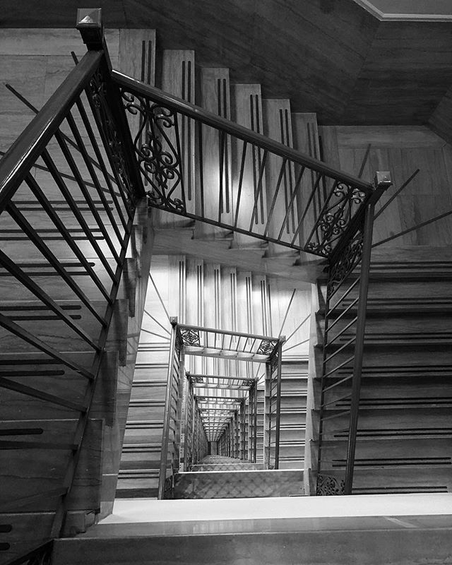 � #blackandwhitephoto #abstractart #art #random #architecture #staircase #skyscraper #perspective #infinity
