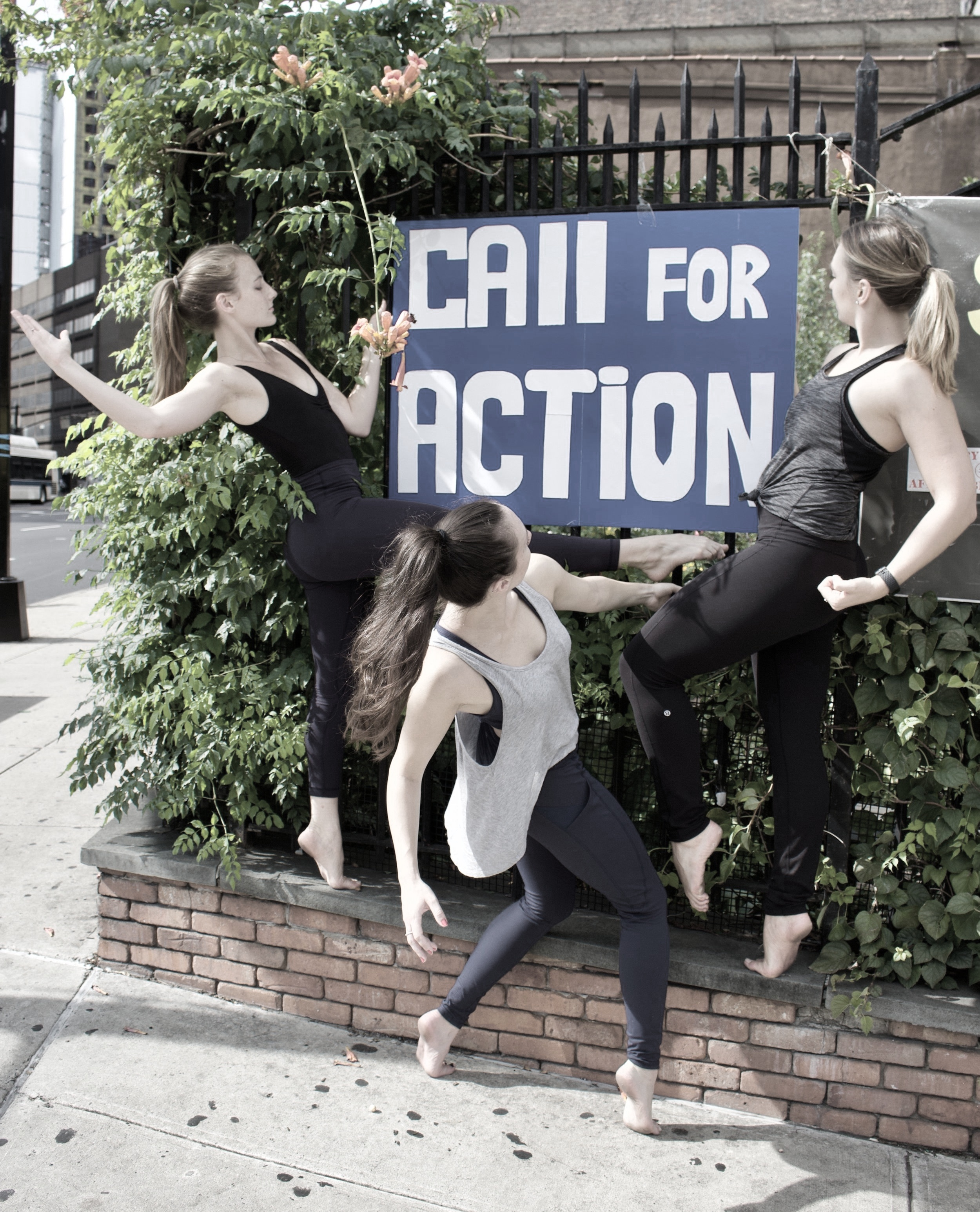 HELP US GET TO GEORGIA! - Harper Continuum Dance Theatre is extremely excited to come to Georgia, but we need your help! We will be doing educational outreach with students in the Jones County school system in March 2020. We will be working with students in classroom settings, after school programs, and offering additional workshops free of charge.CLICK HERE FOR MORE INFORMATION ON WAYS YOU CAN HELP!