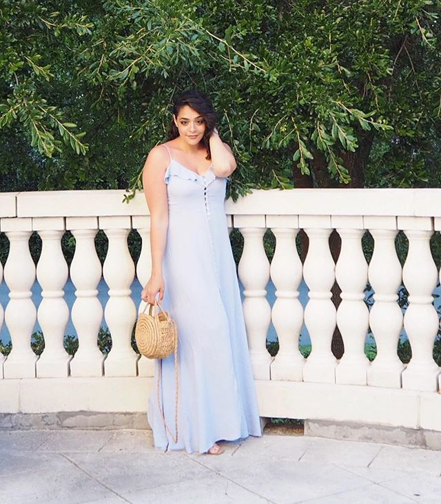 Living in dresses all summer I love a good maxi dress incredibly comfortable and  beautiful all in one a total win  You can shot my look on my blog, link in the bio ☀️💗 . . . . .  #fashionpost #instastyle #fblogger #lookbook #fashionlover #outfitoftheday #ootdshare #lookoftheday #mylook #fashionable #currentlywearing #fashionblog #eyes #cosmetics #makeupaddict #lipstick #makeupblogger #instabeauty #lips #instamakeup #lashes #makeupjunkie #shopstylecollective #summerootd #summeroutfit #realoutfitgram #shopmylook