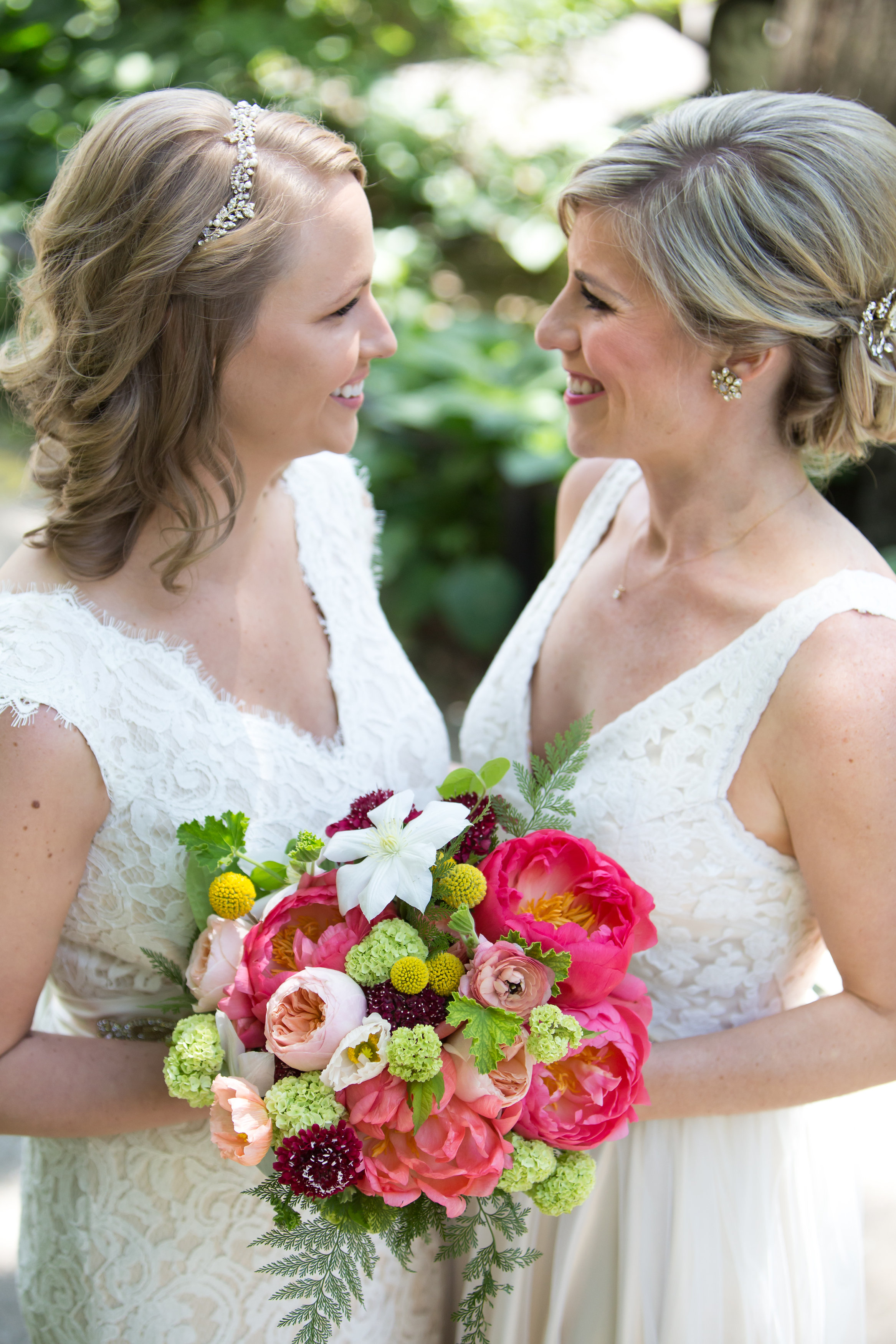 Wedding bouquets by Fleur Inc, Photo by Thomas Slack Photography