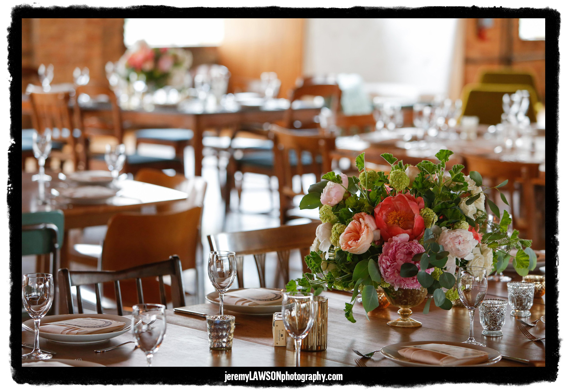 Flowers by Fleur Inc, photo by Jeremy Lawson Photography