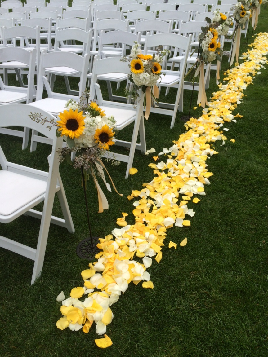 Flowers by Fleur Inc, Planning by Greatest Expectations
