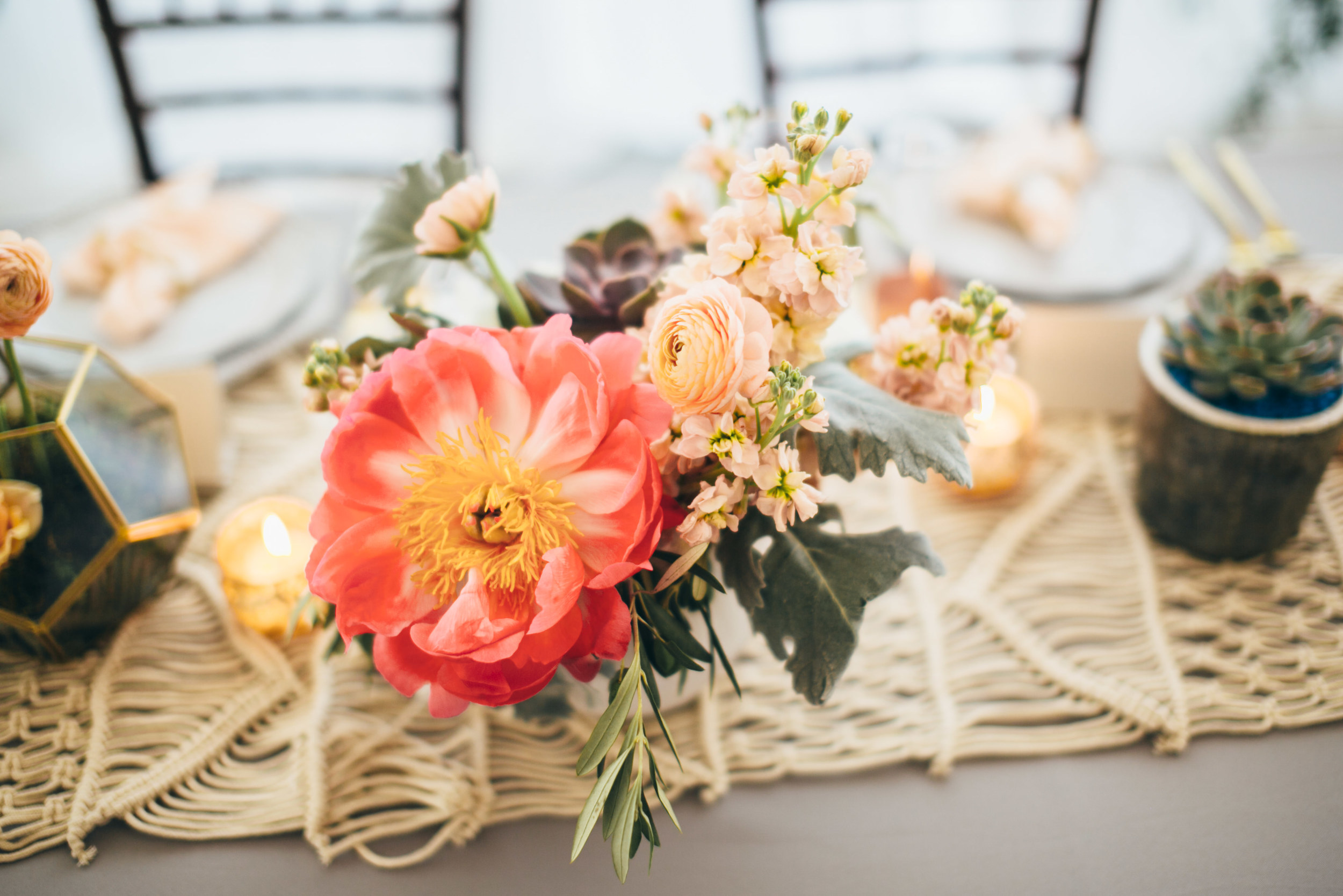 Flowers by Fleur Inc, planning by Jayne Weddings, photo by Christian Gideon Photography