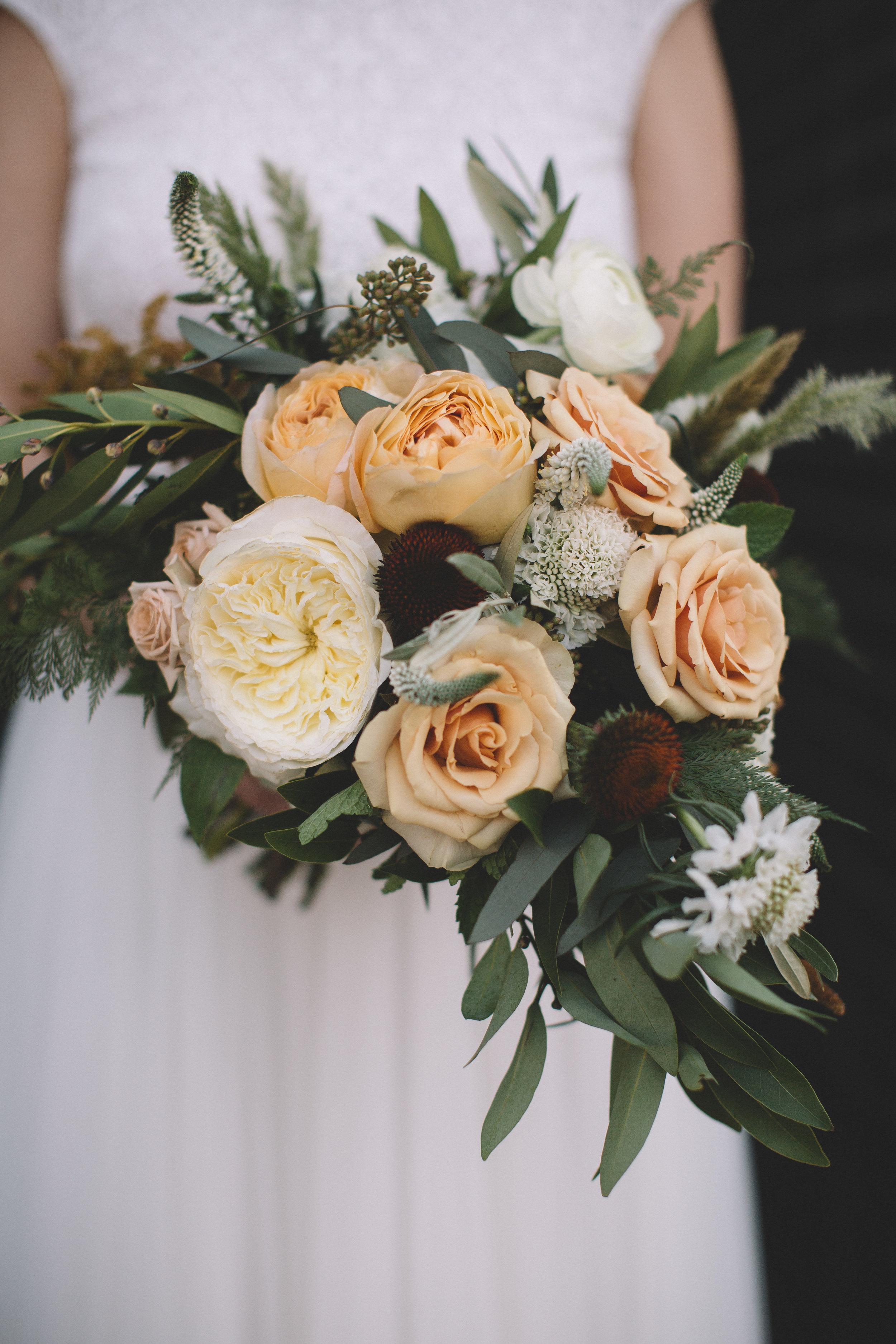 Flowers by Fleur Inc, photo by Stephanie Bassos Photography