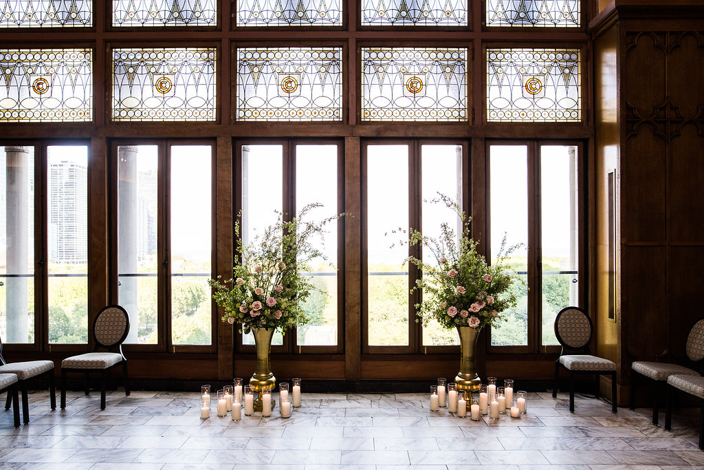 Flowers by Fleur, Inc.  Photography by Kina Wicks.  Venue: Chicago Athletic Associate Hotel