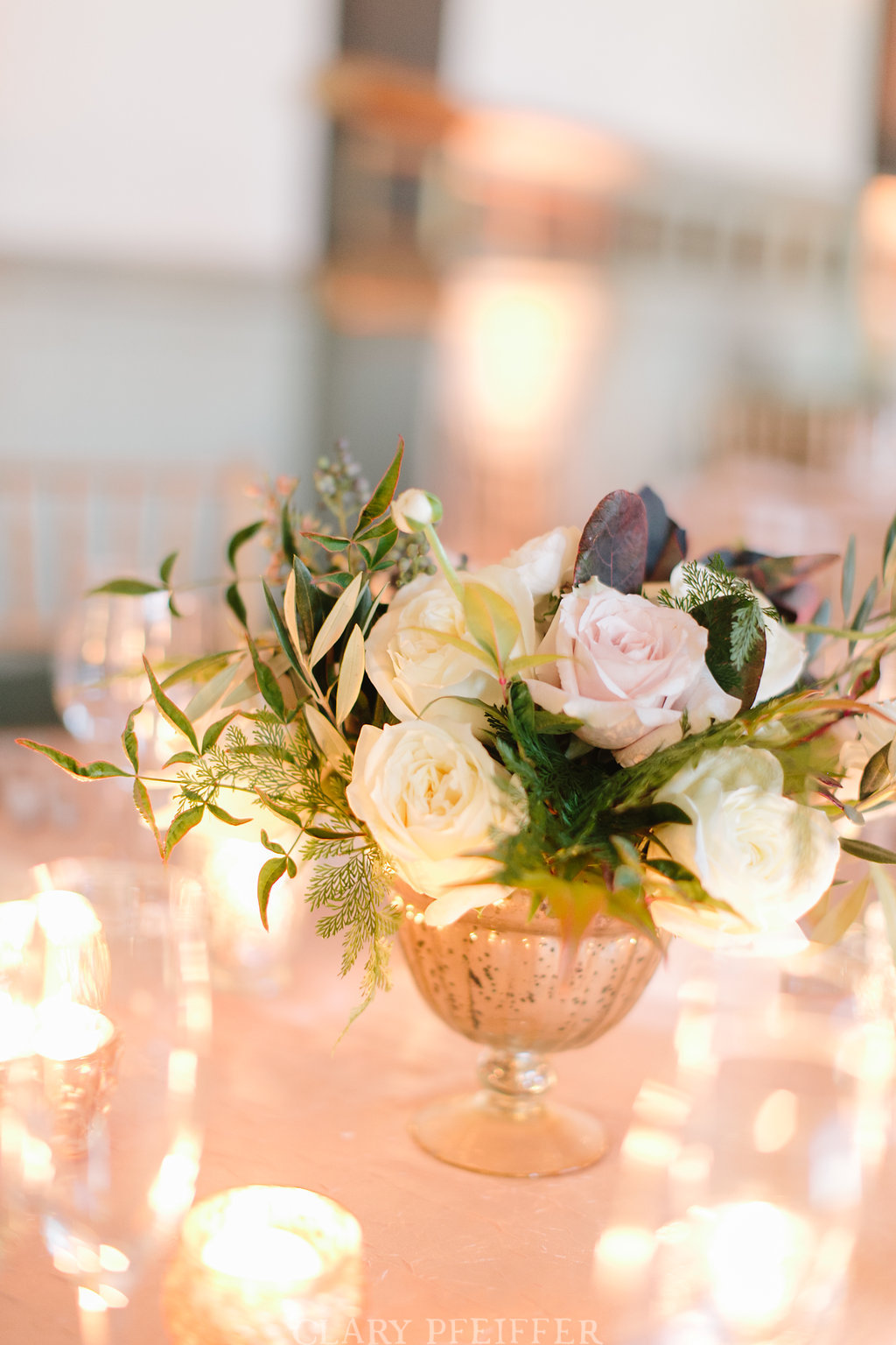 Flowers by Fleur Inc, photo by Clary Pfeiffer Photography, Planning by Estera Events