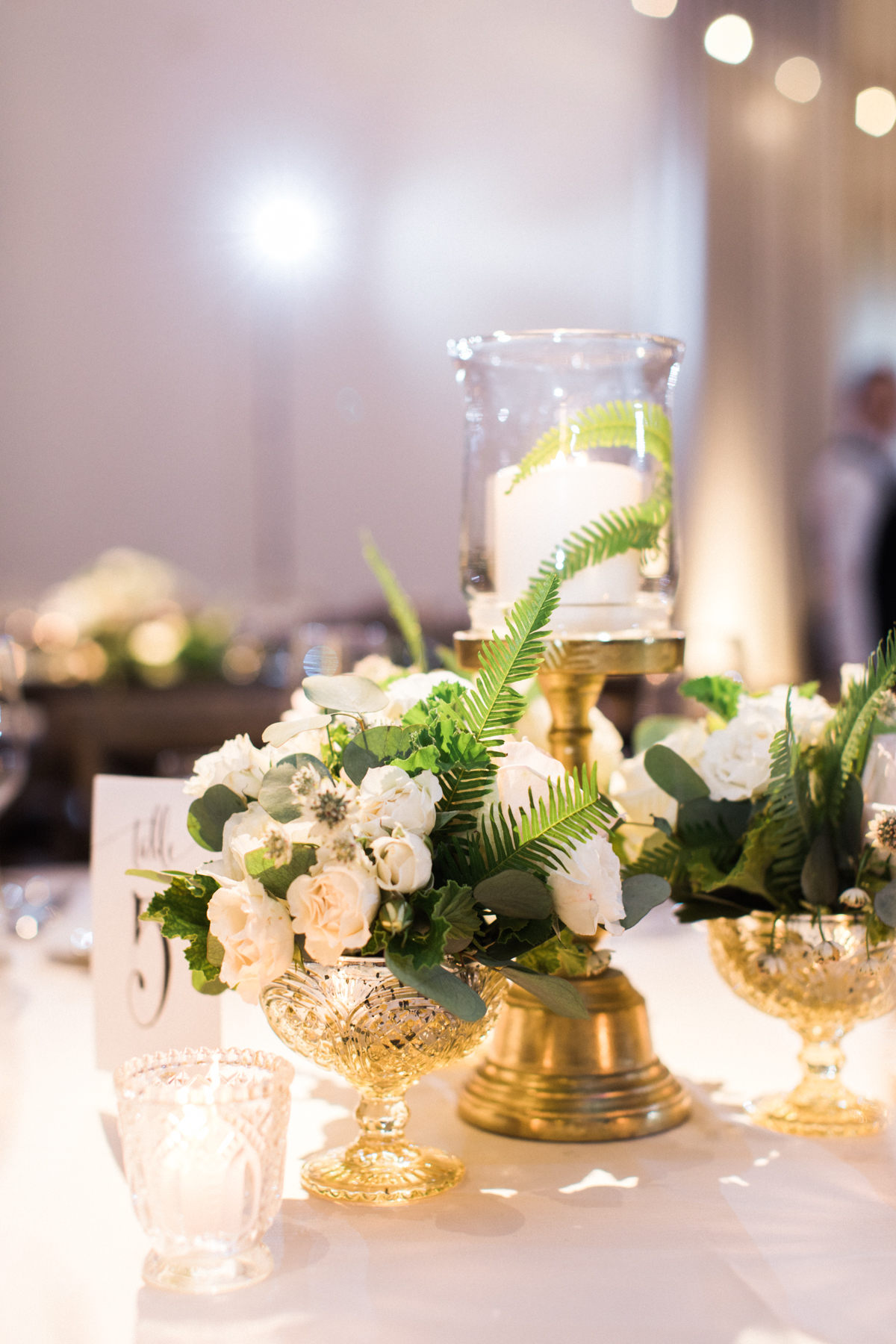 Flowers by Fleur Inc, Planning by Shannon Gail Weddings, The Ivy Room Chicago, Image by Kristin Lavoie Photography