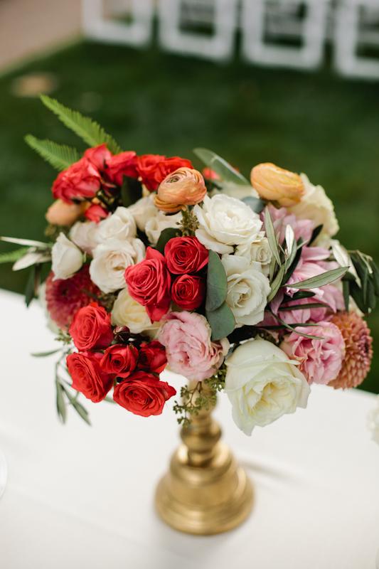 Fleur-Inc-Wedding-Lake-Geneva-Lakeside-Wedding-Five-Grain-Events-Anna-Guziak-welcome-table