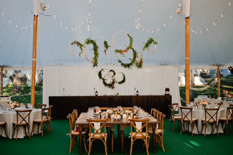 Fleur-Inc-Wedding-Lake-Geneva-Lakeside-Wedding-Five-Grain-Events-Anna-Guziak-floating-centerpiece-orbs