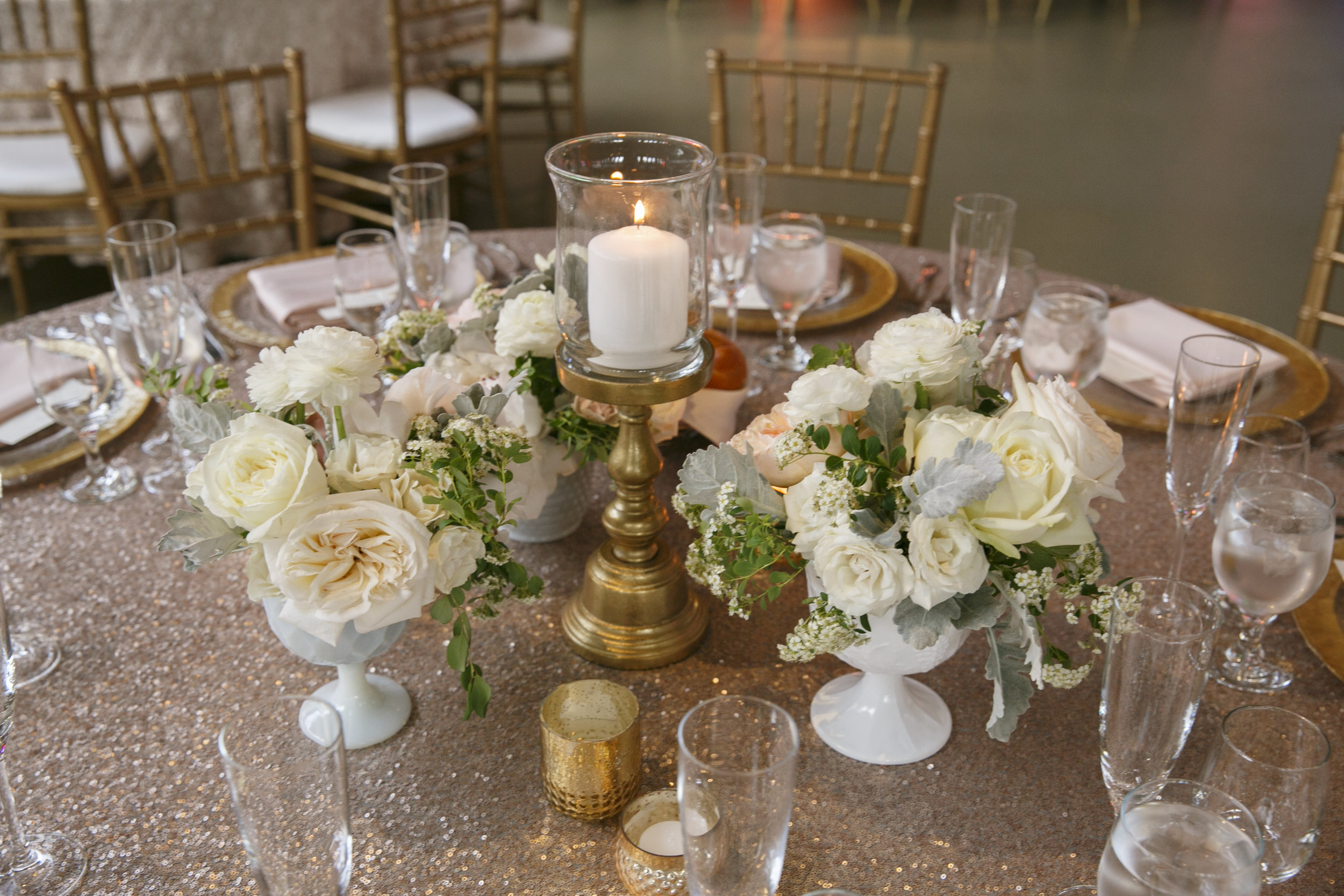 Fleur-Inc-Summer-Wedding-Lola-Events-Ravenswood-Event-Center-Wedding-Peonies-Guest-Table-Centerpieces