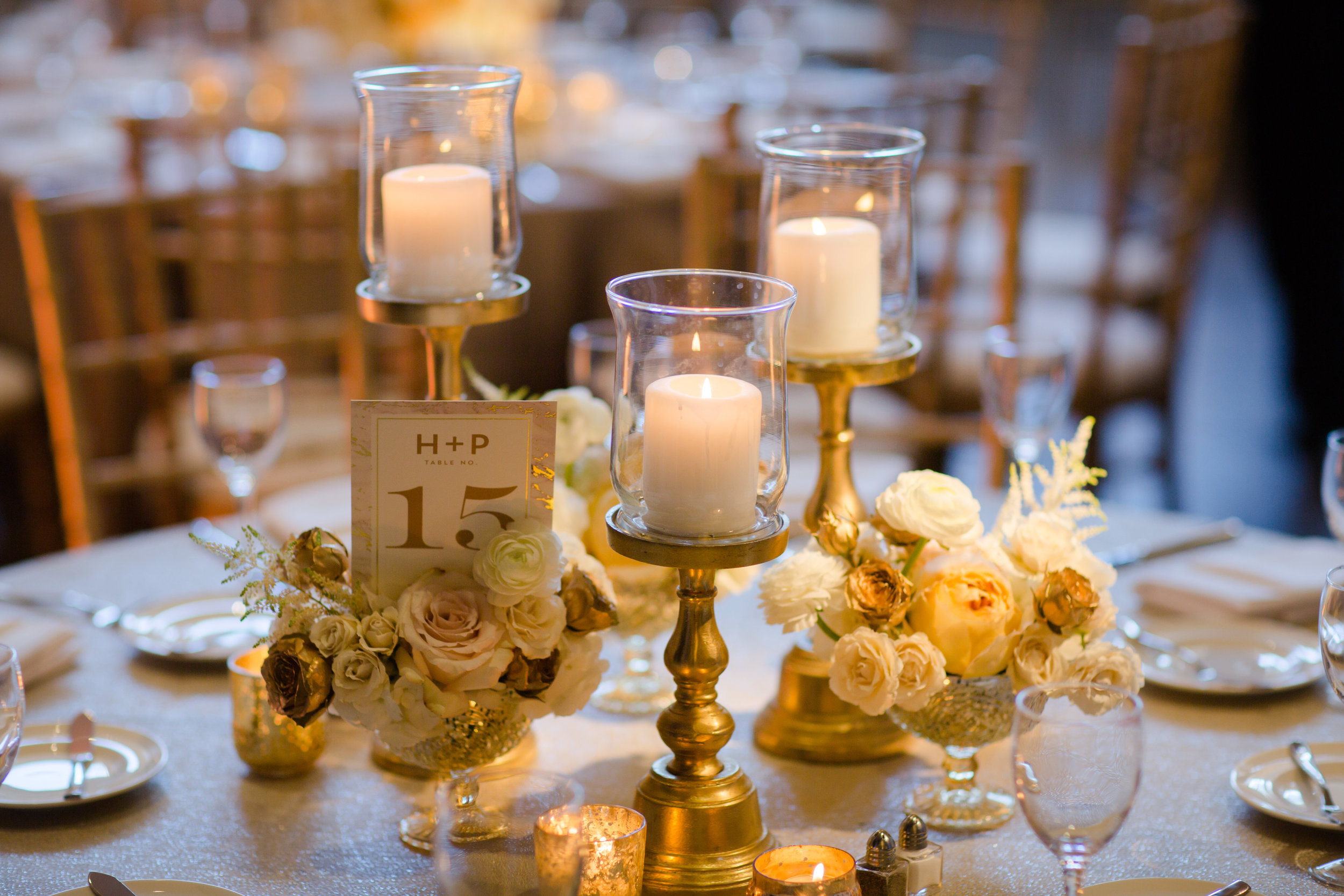 Fleur-Inc-Chicago-Wedding-19-East-Studio-This-Is-Photography-Wedding-Party-Bouquets-candle-centerpiece